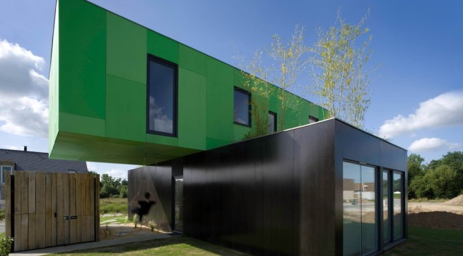 cg-architectes-crossbox-exterior1-via-smallhousebliss